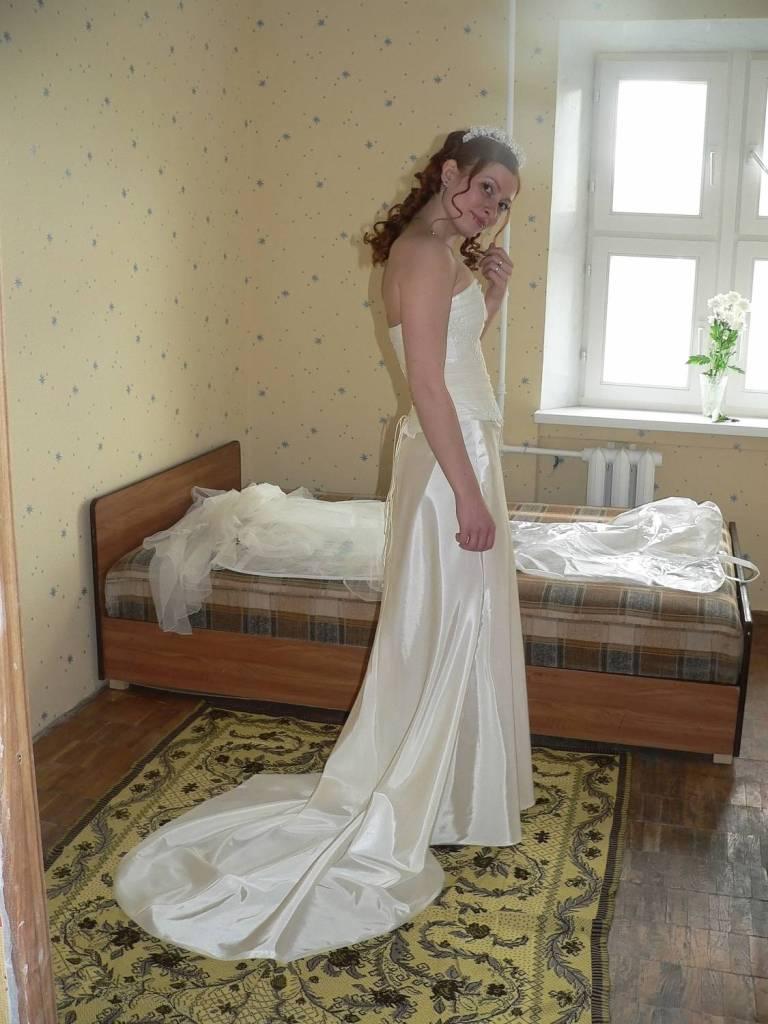 f6a7d0b3b79 Свадебное платье из атласа
