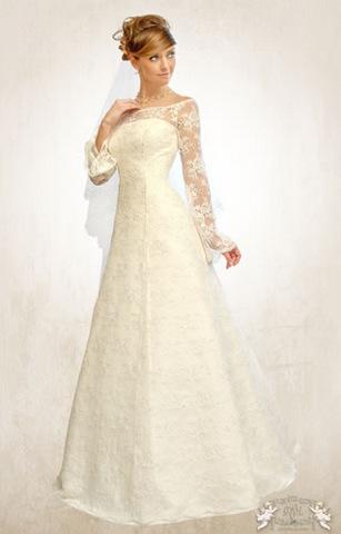 Платье айвори с рукавами