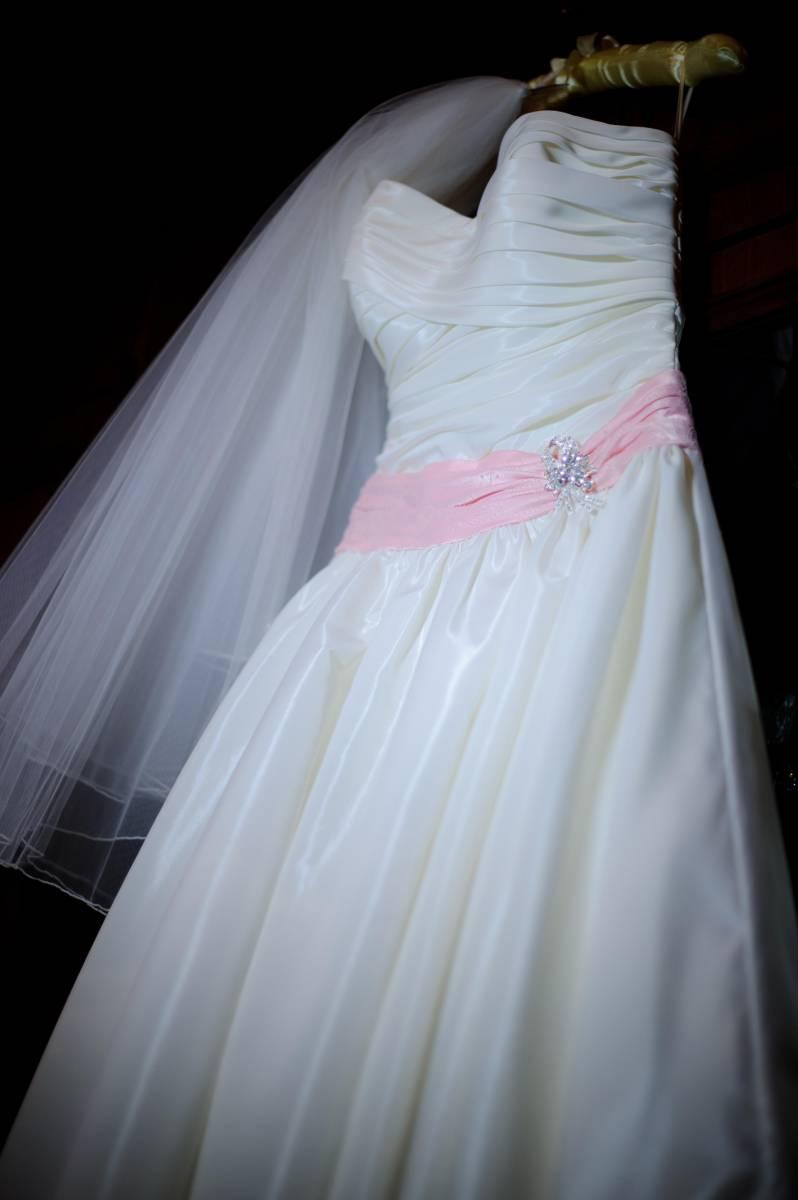 Пышное свадебные платья бантом сзади
