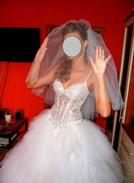 Шикарные свадебные платья со стразами