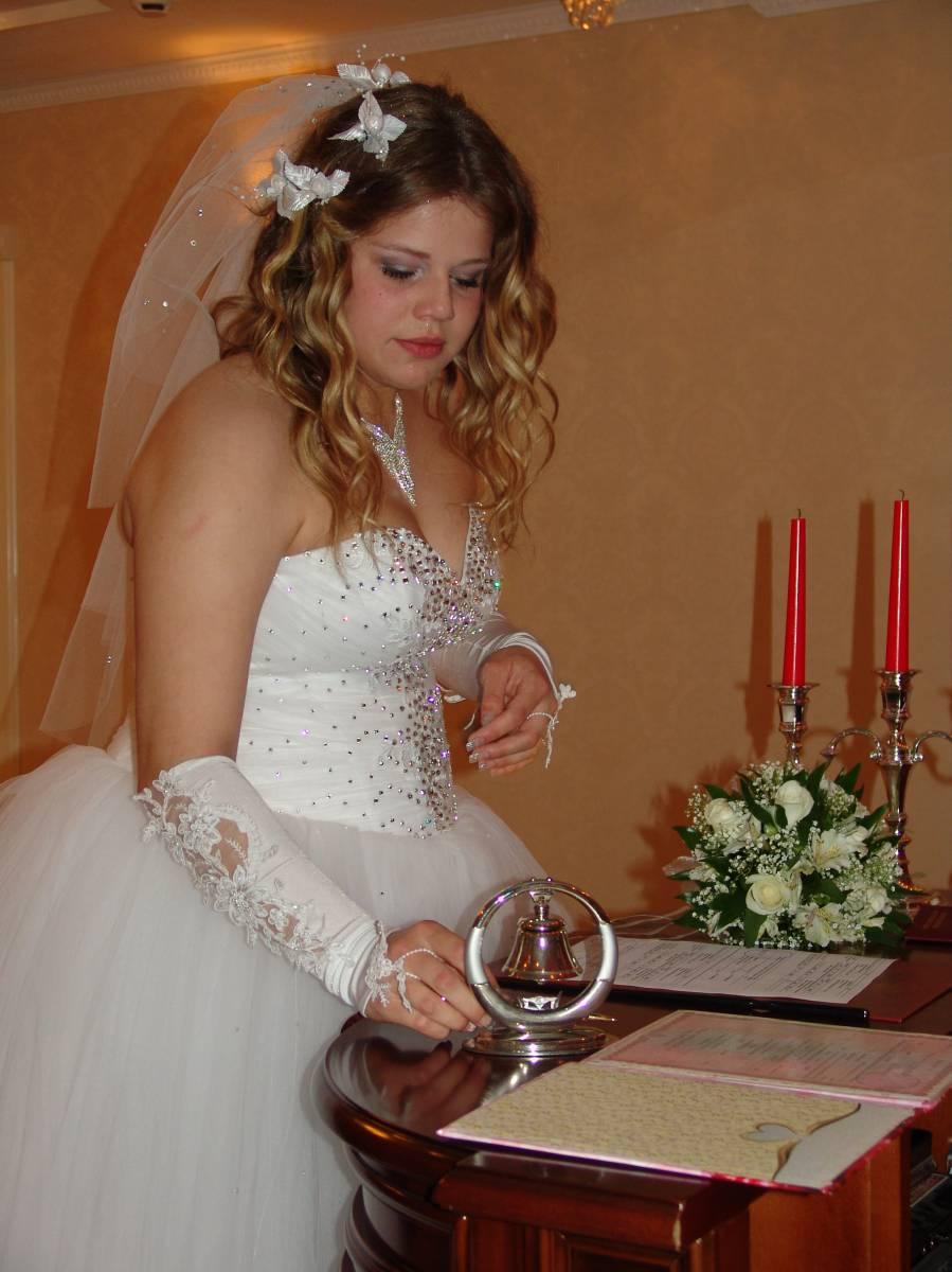 Продажа недорогих свадебных платьев в интернет-магазине To