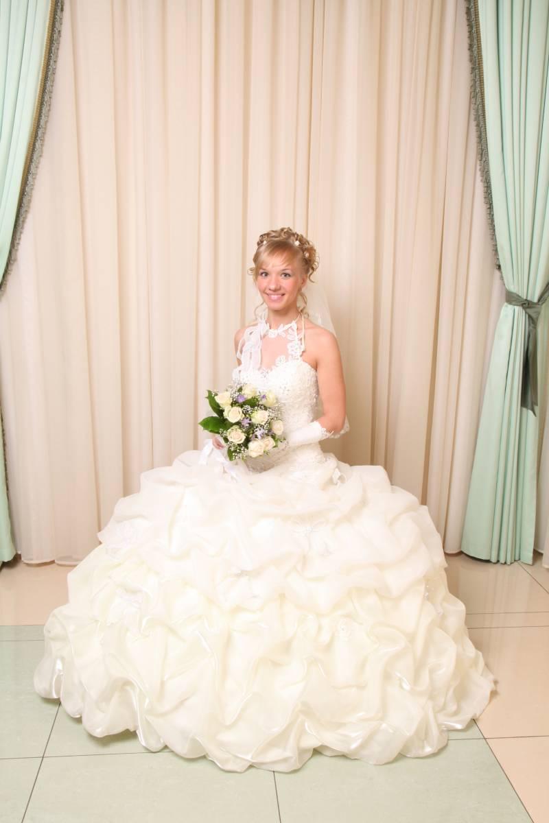 Свадебные платья до 20000р