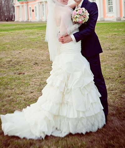 Платье превосходное цвет айвори
