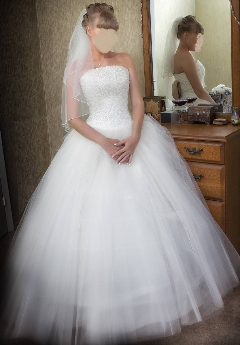 Пышные свадебные платья с жемчугом
