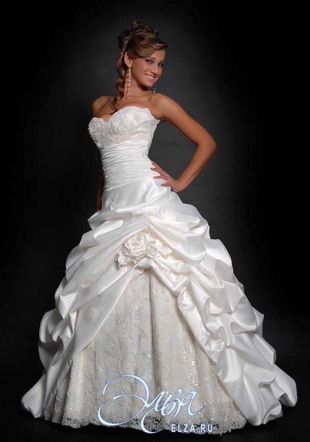 Платье + фата (кружевная) покупалось в салоне Эльза за 30 000 руб. Продам за 18 000 руб. Примерка платья г.Балашиха