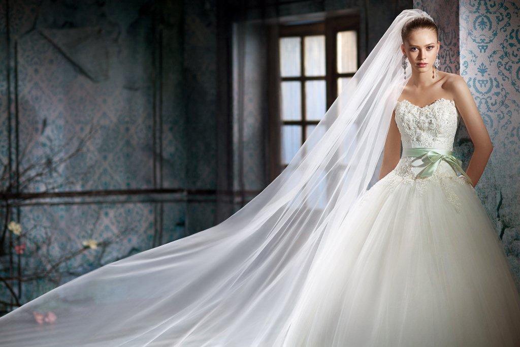 Свадебные платья реклама