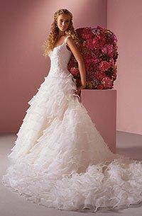 Английское свадебное платье Justin Alexander со шлейфом за 20000 руб