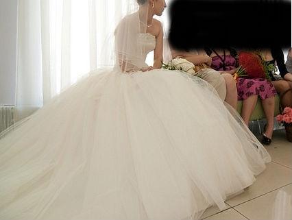 Wedding Saloon :: Самое пышное свадебное платье в мире - Свадебные