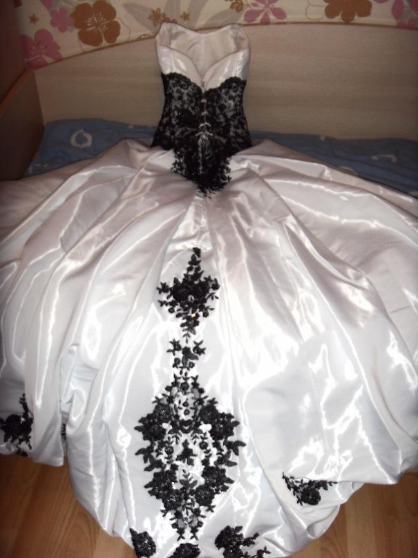 Свадебное платье с кружевом. свадебное платье с чёрным кружевом