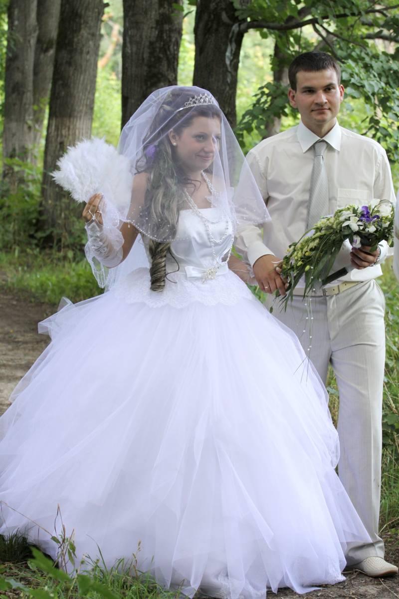 Фото нимфы в белом платье 25 фотография