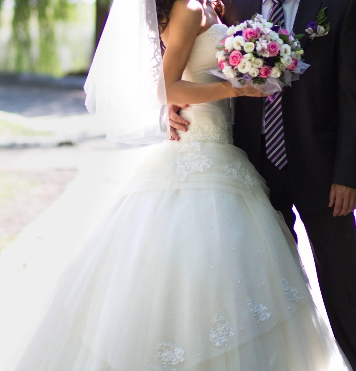 Свадебное платье с фатой и перчатками. (другой город РФ) от