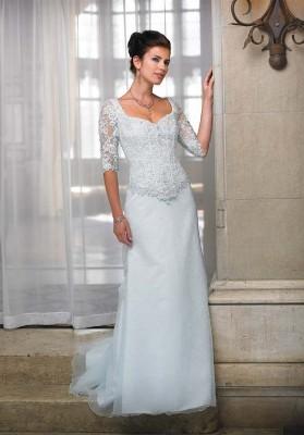 Свадебные платья от Mon Cheri Bridals (США).